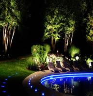 نور پردازی فضای سبز